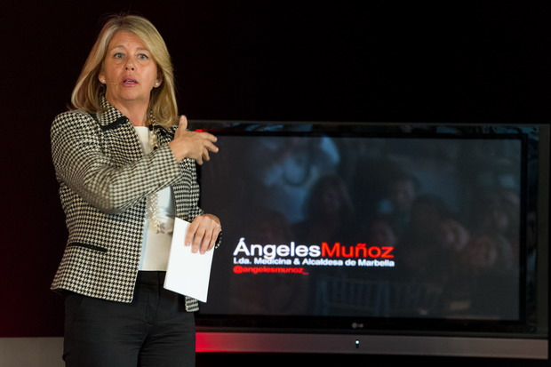 Angeles Muñoz