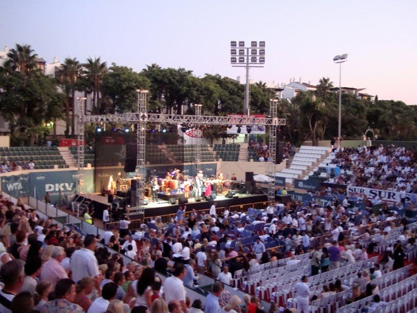 Concert á Puente Romano Tennis Club