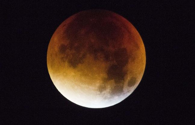 Eclipse-super-lune-vue-twickenham-grande-bretagne-28-septembre-2015