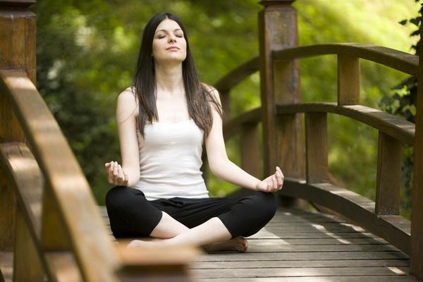 Woman doing yoga, canon 1Ds mark III