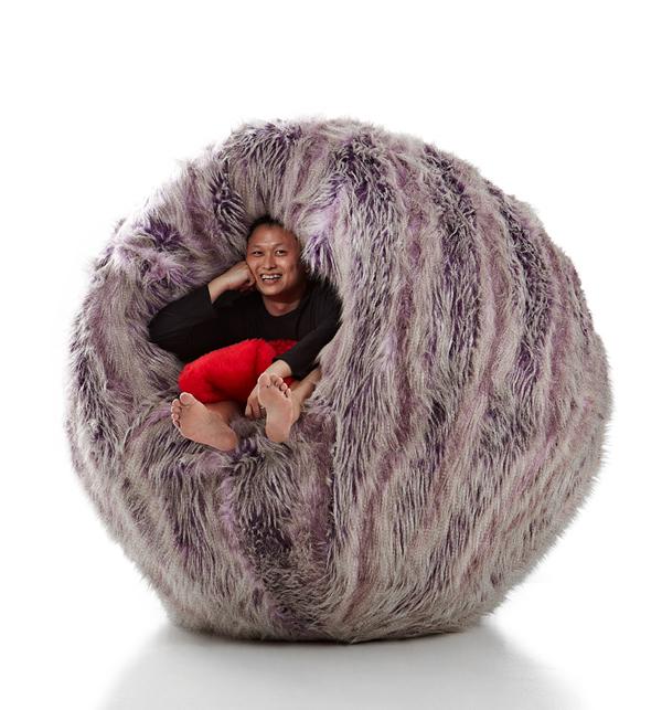 Cette grosse boule poilue est conçue pour vous blottir dans son cœur