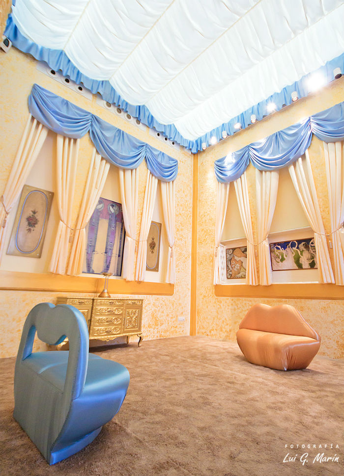 Le Cabaret - Wedding Chapel