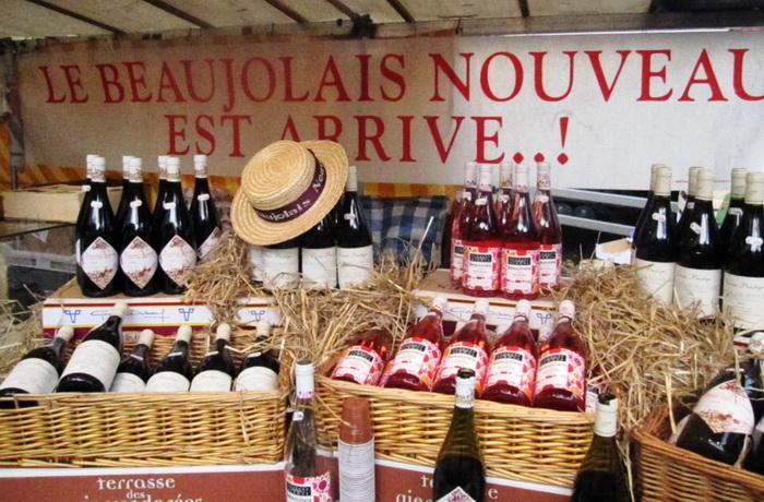 Beaujolais et chapeau