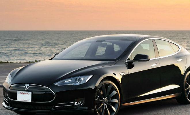 Tesla : non, vous ne pouvez pas regarder Harry Potter au volant