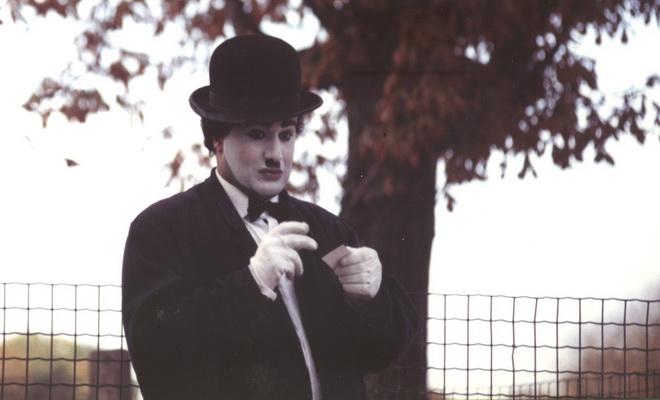 Suisse: un record de 662 personnes déguisées en Charlie Chaplin