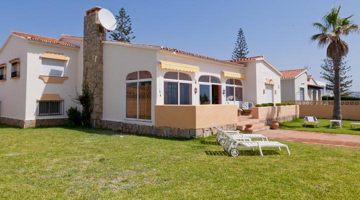 Villa Mariposa–en première ligne